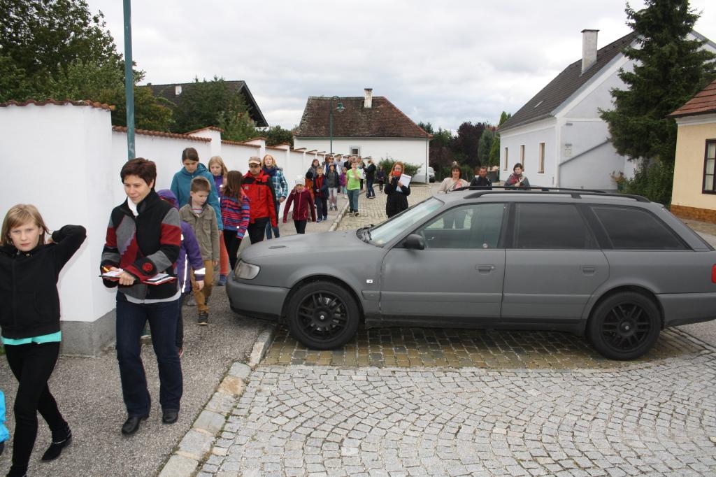 Enge Gehsteige durch zu kleine Parkplätze